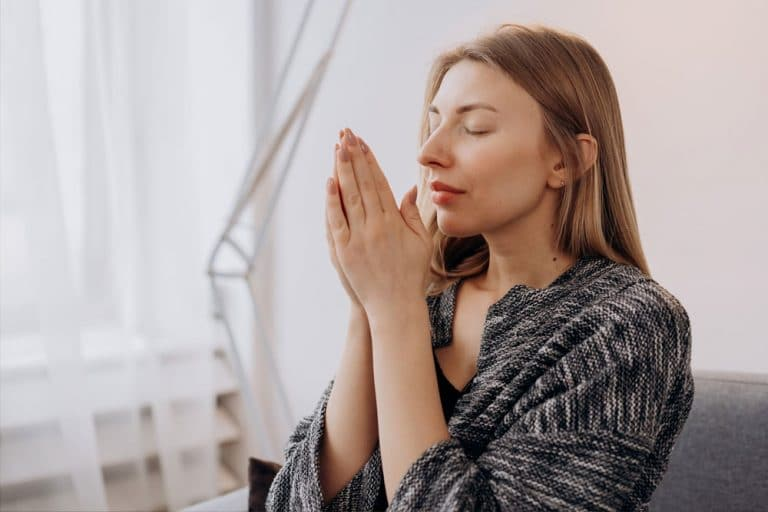 woman praying with powerful words